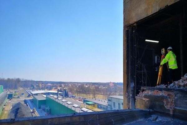 Widok nabudowę hali przemysłowej